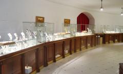 Фото зала продаж янтаря в Музее