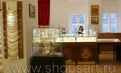 Фото зала продаж янтаря ТД Амбер в Музее