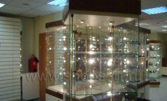 Торговое оборудование ОХОТА И РЫБАЛКА одежда оружейного салона На Люсиновской Фото 02