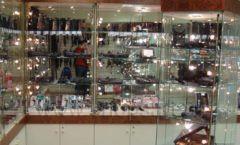 Торговое оборудование ОХОТА И РЫБАЛКА одежда оружейного салона На Люсиновской Фото 07