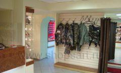 Торговое оборудование ОХОТА И РЫБАЛКА одежда оружейного салона На Люсиновской Фото 11