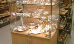 Фотографии открытого магазина посуды на основе коллекции мебель для посуды