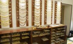 Фото торгового оборудования для магазинов бижутерии