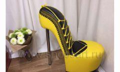 Пуф Туфелька желтая для бутика одежды