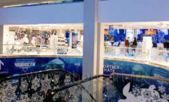 Торговое оборудование детского сувенирного магазина Москвариум ВДНХ ЦВЕТНЫЕ МЕТАЛЛИЧЕСКИЕ СТЕЛЛАЖИ Фото 19
