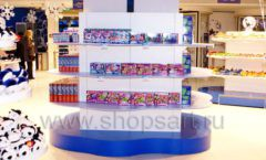 Торговое оборудование магазина сувениров Москвариум ВДНХ БРЕНДОВЫЕ СТЕЛЛАЖИ Фото 19