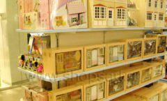 Торговое оборудование отдела игрушек магазина Винни ТЦ Юнимолл ЦВЕТНЫЕ МЕТАЛЛИЧЕСКИЕ СТЕЛЛАЖИ Фото 18