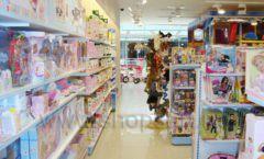 Торговое оборудование отдела игрушек магазина Винни ТЦ Dream House ЦВЕТНЫЕ МЕТАЛЛИЧЕСКИЕ СТЕЛЛАЖИ Фото 05