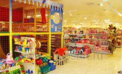 Торговое оборудование отдела игрушек магазина Винни ТЦ Dream House ЦВЕТНЫЕ МЕТАЛЛИЧЕСКИЕ СТЕЛЛАЖИ Фото 09