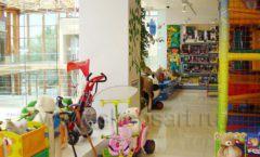 Торговое оборудование отдела игрушек магазина Винни ТЦ Dream House ЦВЕТНЫЕ МЕТАЛЛИЧЕСКИЕ СТЕЛЛАЖИ Фото 10