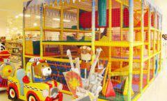 Торговое оборудование отдела игрушек детского магазина Винни ТЦ Dream House ЦВЕТНЫЕ МЕТАЛЛИЧЕСКИЕ СТЕЛЛАЖИ Фото 08