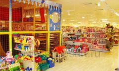 Торговое оборудование отдела игрушек детского магазина Винни ТЦ Dream House ЦВЕТНЫЕ МЕТАЛЛИЧЕСКИЕ СТЕЛЛАЖИ Фото 09