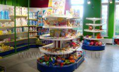 Торговое оборудование магазина в Green park ЦВЕТНЫЕ МЕТАЛЛИЧЕСКИЕ СТЕЛЛАЖИ Фото 14