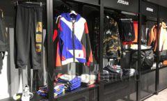 Торговое оборудование магазина одежды Funky Dunky ЛОФТ Фото 10