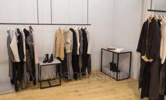 Торговое оборудование магазина одежды Yuki Yan ЛОФТ Фото 6