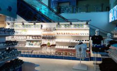 Торговое оборудование 2 магазина сувениров Москвариум ВДНХ ЦВЕТНЫЕ МЕТАЛЛИЧЕСКИЕ СТЕЛЛАЖИ Фото 19