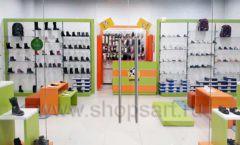 Торговое оборудование детского магазина Степ ТЦ Улей Москва коллекция КАРАМЕЛЬ Фото 02