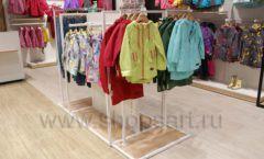 Торговое оборудование детского сетевого магазина OLDOS KIDS ТРЦ Каширская Плаза коллекция РАДУГА Фото 16