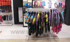 Торговое оборудование детского сетевого магазина OLDOS KIDS ТРЦ Каширская Плаза коллекция РАДУГА Фото 18
