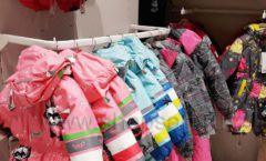Торговое оборудование детского сетевого магазина OLDOS KIDS ТРЦ Каширская Плаза коллекция РАДУГА Фото 26