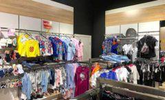 Торговое оборудование детского магазина одежды ОДЕВАЙС коллекция РАДУГА Фото 01