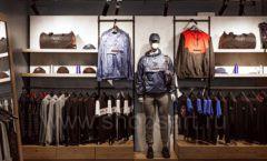 Торговое оборудование бутика спортивной одежды PUTIN TEAM коллекция ЛОФТ Фото 13