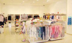 Торговое оборудование детского магазина Винни одежда ТЦ Dream House коллекция 21 ВЕК Фото 05